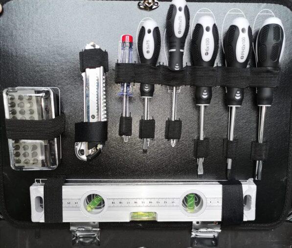 werkzeugkoffer 131-teilig, mit Chrom-Vanadium-Stahl. 3